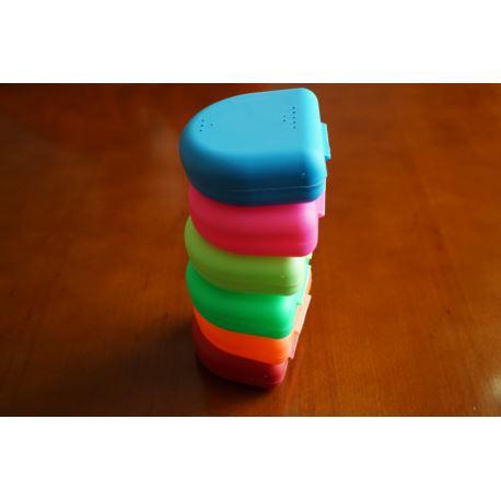 Pudełka kolorowe do retencji